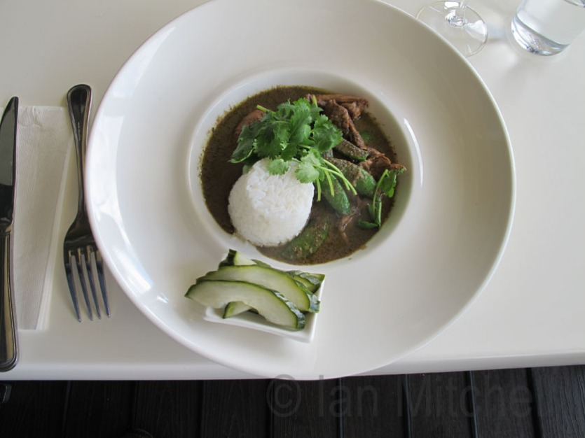 Green chicken curry at the Bush Devine Cafe (Paulett Wines)